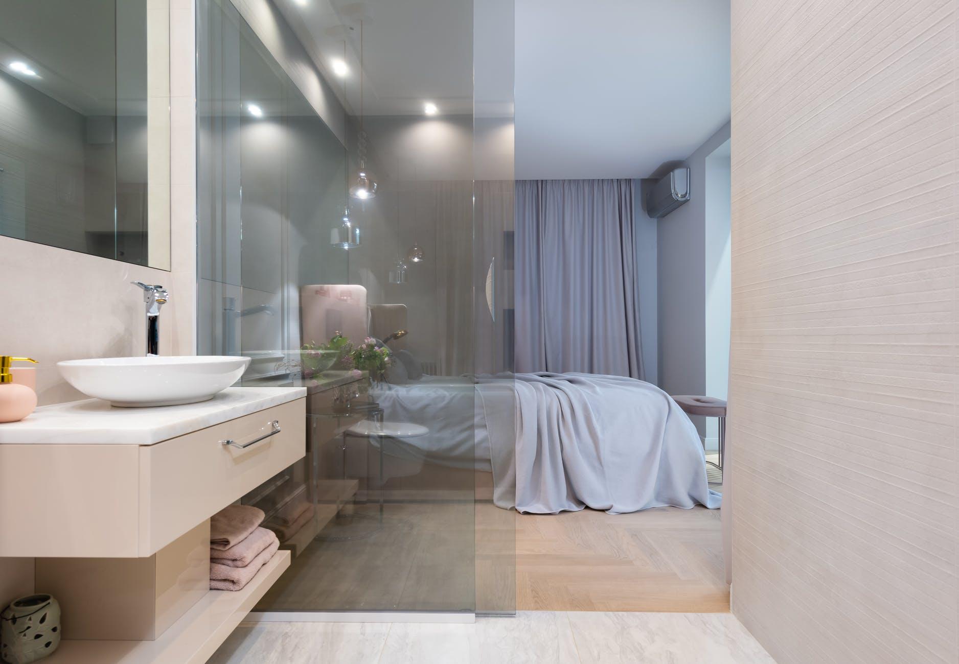kúpeľňa, sklenené dver