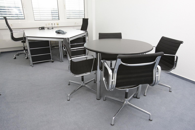 kancelária, stoličky, stôl