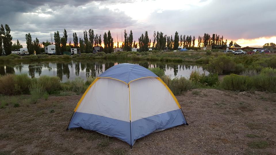 tent-1043518_960_720